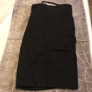 Greg Norman Black Shorts 32
